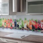 Stikls virtuvei