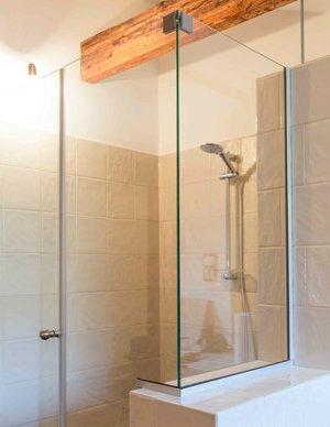 Stikla dušas no rūdīta stikla