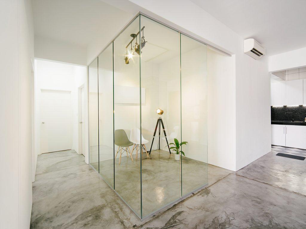 Starpsienas no rūdīta stikla