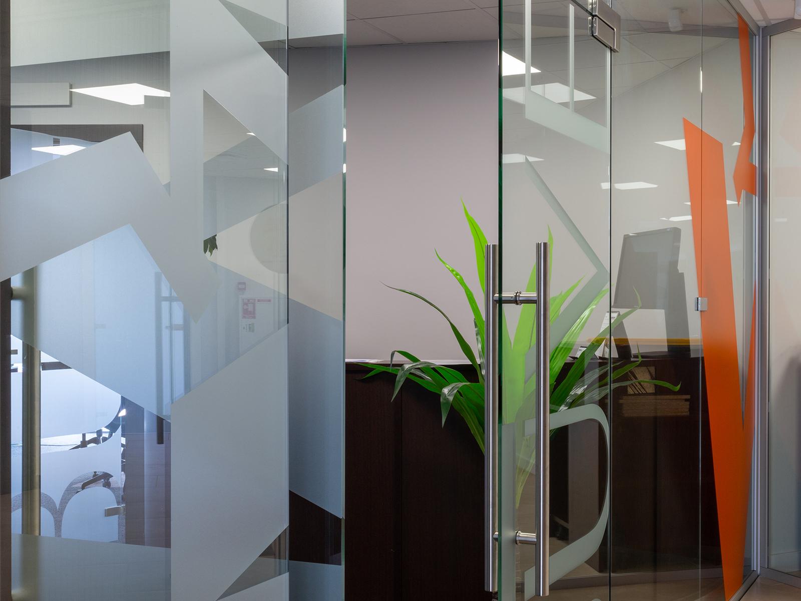 rudita stikla durvis