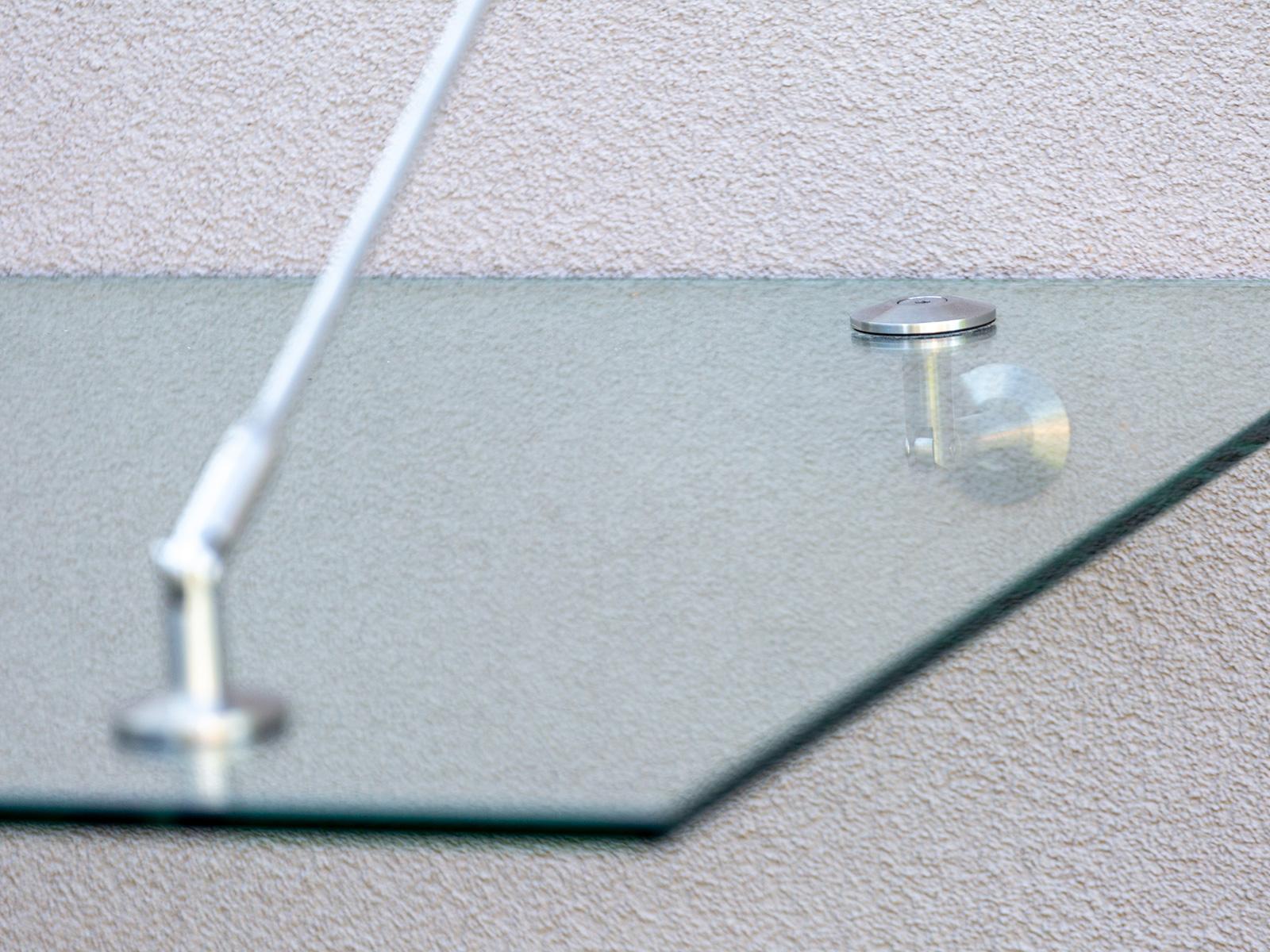 Stikla jumta stiprinājumi